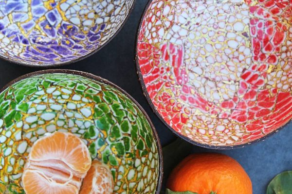 9f1c6d09a118-Coconut_bowls_cracked_gold (1)